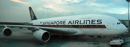 A380 na letišti Changi v Singapuru