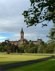 �eln� pohled na hlavn� budovu University of Glasgow